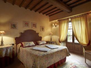 Ballerina apartment in a Country House in Tuscany - Tavarnelle Val di Pesa vacation rentals