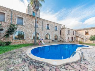 CAS METGE MONJO - Villa for 14 people in Maria de la Salut - Maria de la Salut vacation rentals