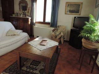 Bel appartement style provençal - Maillane vacation rentals