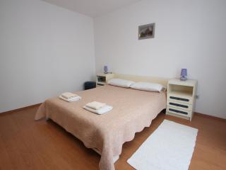Suzana B4+2 - Porec vacation rentals