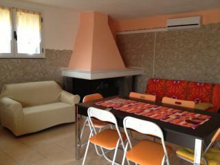 VACANZA NEL SINIS, APPARTAMENTO VICINO AL MARE - San Vero Milis vacation rentals