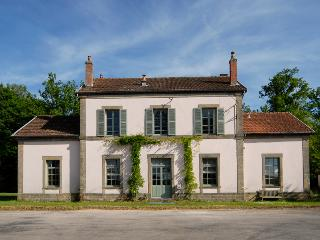 Adorable Monthureux-sur-Saone vacation Gite with Internet Access - Monthureux-sur-Saone vacation rentals
