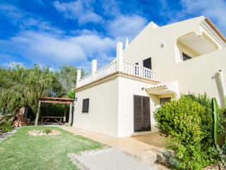 Quiet Villa wit Private Pool in Albufeira - Branqueira vacation rentals