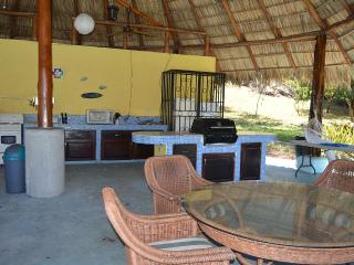 Beautiful and private, 2.5 acre Garden property - Cartago vacation rentals