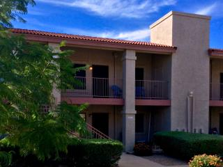 1B/1B Sleeps 4-5, Heated Pool/Spa; Easy to Freeway - Apache Junction vacation rentals