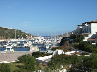 Trilocale fronte mare al porto turistico - Santa Teresa di Gallura vacation rentals