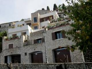 Le Camere Pinte (2nd Apartment in the same Court) - Sermoneta vacation rentals