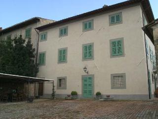10 bedroom House with Private Outdoor Pool in Cevoli di Lari - Cevoli di Lari vacation rentals