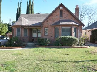 Convenient House with Internet Access and DVD Player - Sacramento vacation rentals