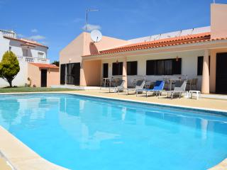 Great Villa with Private Pool in Albufeira - Albufeira vacation rentals