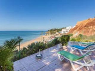 Sea View Villa 30 mts from the Beach in Albufeira - Olhos de Agua vacation rentals