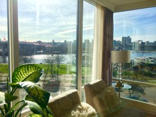 Yaletown Downtown Vancouver, 2 Bedrooms w/ Views - Vancouver vacation rentals