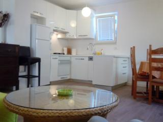 1 bedroom Apartment with A/C in Makarska - Makarska vacation rentals