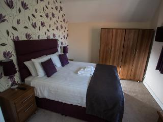 Grade 2 newly refurbished 2 bedroom dwelling - Knutsford vacation rentals