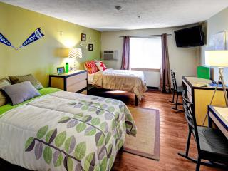 Comfortable Condo with Internet Access and A/C - Canandaigua Lake vacation rentals