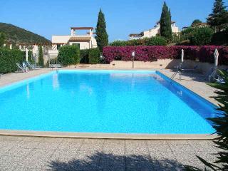 Bilocale in residence con piscina vicini al mare - Rio Nell'Elba vacation rentals