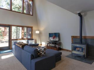 Great Escape Dollar Point Home - Hot Tub - Carnelian Bay vacation rentals