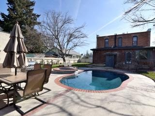 Historic Tolle House in Downtown Paso.  Pool/Spa! - Paso Robles vacation rentals