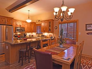 Aery Dog Friendly Luxury Cabin - Hot Tub - Agate Bay vacation rentals