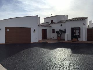 Amazing Villa - Banos y Mendigo vacation rentals