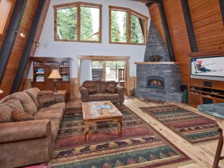 Pezzola Luxury Rental Cabin - Pool Table, Hot Tub - Agate Bay vacation rentals