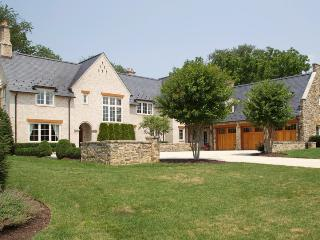 Washington DC Area English Manor Home 22 mi to DC - Potomac vacation rentals