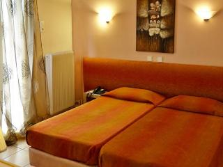 Comfortable room for 3 with Meteora view - Meteora vacation rentals