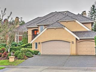 New Listing! Beautiful 4BR Bellevue House w/Wifi, Private Patio & Seasonal Lake/Mountain Views - Delightful Neighborhood Location! Close to Lake Sammamish, Parks, Ski Resorts & More! - Bellevue vacation rentals