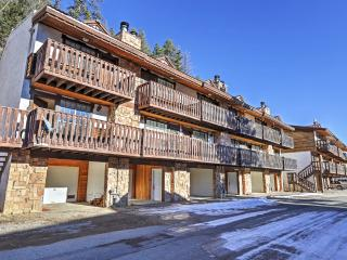 New Listing! 'The Copper Lodge' Brilliant 2BR Red River Townhome w/Wifi, Private Balcony & Tremendous Location Near All the Best Attractions - Walk to Downtown and Marvelous Ski Slopes! - Red River vacation rentals