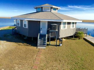 'Little Blue Crab' Quaint 1BR Slidell Cottage w/Wifi, Private Boat Dock & Rigolets Waterfront Views - Perfect for Night Fishing! Close to Outdoor Recreation & New Orleans! - Slidell vacation rentals