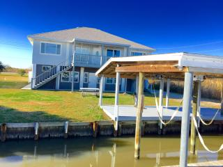 'Big Blue Crab' Waterfront 5BR Slidell House w/Wifi, Private Boat Dock & Stunning Geoghegan Canal Views - Perfect for Night Fishing! Near Outdoor Recreation, Casinos & New Orleans Attractions! - Slidell vacation rentals