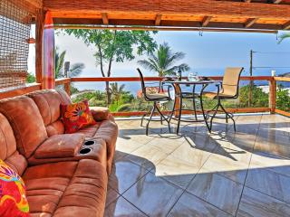 Extraordinary 3BR Captain Cook House w/Wifi, Private Lanai & Panoramic Ocean Views - Minutes to Pebble Beach, Ho'Okena Beach, Prime Snorkeling Spots, Golf & More! - Honaunau vacation rentals