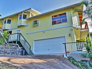 Extraordinary 3BR Captain Cook House w/Wifi, Private Lanai & Panoramic Ocean Views - Minutes to Pebble Beach, Ho'Okena Beach, Prime Snorkeling Spots, Golf & More! - Honaunau vacation rentals