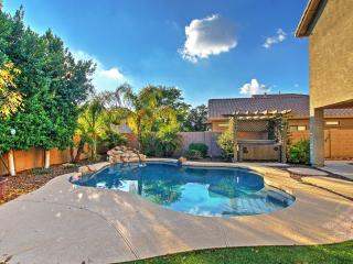 Outstanding 3BR Mesa House w/Wifi, Backyard Oasis, Private Outdoor Pool, Hot Tub & Fire Pit - Minutes to Golf, Outdoor Recreation, Local Sightseeing Attractions & Much More! - Mesa vacation rentals