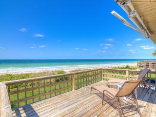 Gorgeous 2BR Belleair Beach Oceanfront Condo w/Wifi, Expansive Deck, Heated Pool Access & Gulf Views! Terrific Location, 39 Steps from the Beach - Close to John's Pass, Golf & More! - Belleair Beach vacation rentals