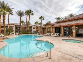 New Listing! Inviting 2BR Las Vegas Apartment Home w/Wifi, Private Balcony & Pool/Hot Tub Access – Prime Central Location! Close to Countless Infamous Vegas Attractions! - Las Vegas vacation rentals