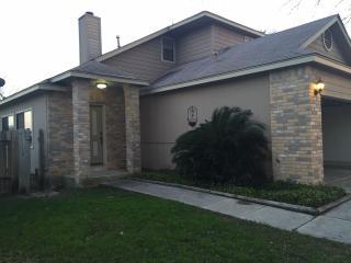 Cute two story house in beautiful San Antonio TX. - San Antonio vacation rentals