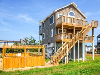 The Sea and The Sun - Salvo vacation rentals