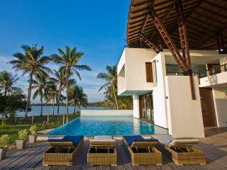 Bright 5 bedroom Villa in Kalpitiya with A/C - Kalpitiya vacation rentals
