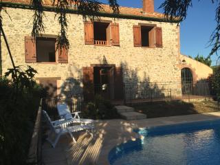 Authentic farmhouse, Mas de l'eveque, pool & wifi - Prades vacation rentals