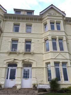 Beautiful, modern seaside apartment. - West Kirby vacation rentals