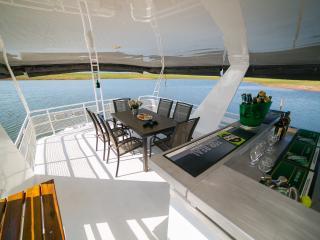 Silver Fox, 2* houseboat - Kariba vacation rentals