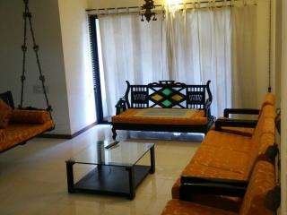 1 bedroom Condo with Ceiling Fans in Ahmedabad - Ahmedabad vacation rentals