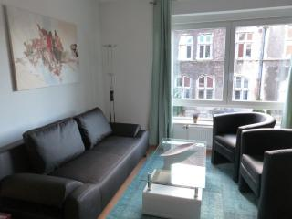Comfortable Apartment in Castrop-Rauxel with Satellite Or Cable TV, sleeps 5 - Castrop-Rauxel vacation rentals