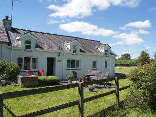 Beautiful Riverside  Samuel Cottage - Bontnewydd vacation rentals