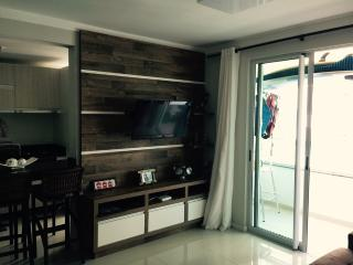 Nice Condo with Internet Access and Shared Outdoor Pool - Governador Celso Ramos vacation rentals