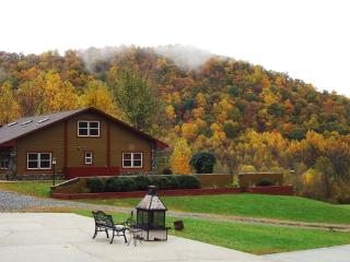 Compassionate Expressions Mtn Inn & Spa Retreat - Asheville vacation rentals