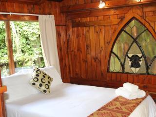 11 bedroom Bed and Breakfast with Balcony in Knysna - Knysna vacation rentals