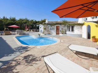 Villa Mario - Between Carvoeiro and Porches. Pool. - Carvoeiro vacation rentals