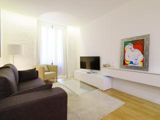 Lovely 1 bedroom Valencia Apartment with Internet Access - Valencia vacation rentals